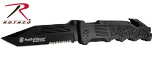 Smith and Wesson Border Guard Rescue Knife